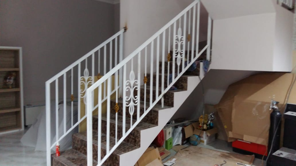 pembuatan railing tangga murah 1